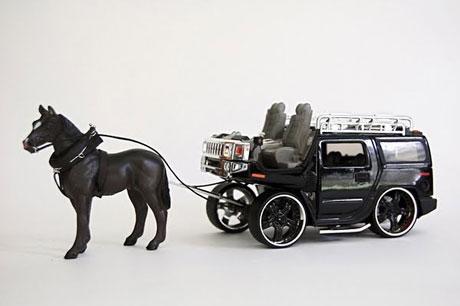 Ngựa kéo Hummer và Escalade