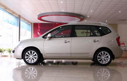 Chiếc xe sử dụng phanh đĩa cả 4 bánh có hỗ trợ hệ thống chống bó cứng phanh ABS  (phiên bản tại Hàn quốc có thêm hệ thống ổn định thân xe ESP).