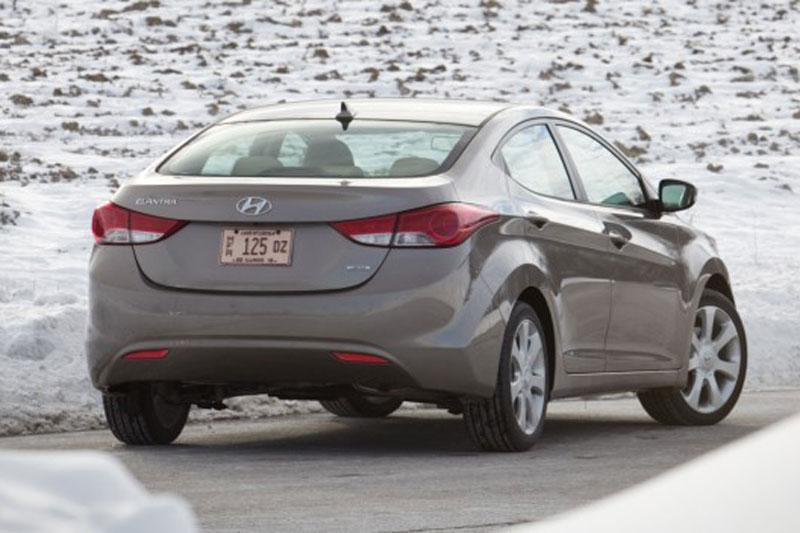 Hyundai-Elantra-2011-(20).jpg