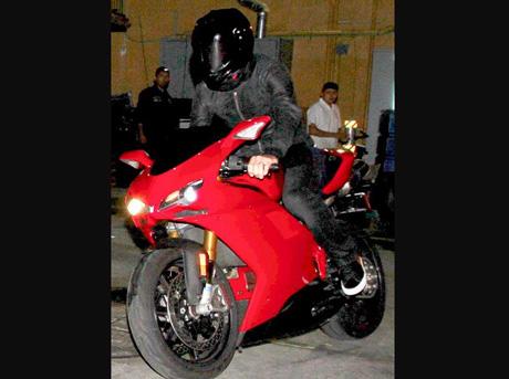 Beckham lại tậu siêu môtô