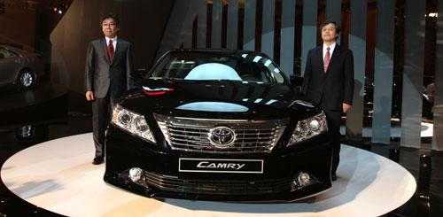 Toyota Việt Nam giới thiệu Camry hoàn toàn mới