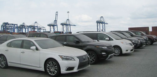 Over 20 cars & motor of overseas remained at port