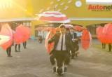 Honda Uni-Cub xuất hiện trong MV ca nhạc sáng tạo