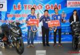 Đội đua Long Thành Đạt nhận giải thưởng