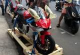 Cận cảnh Yamaha R1 2015 màu đỏ trắng đầu tiên tại Viêt Nam