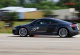 Khách mời phát cuồng với siêu xe Audi R8