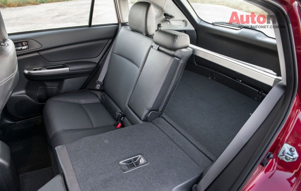 2015-Subaru-Impreza-20i-Limited-Sport-rear-seats-down