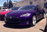 Thú vị với Tesla Model S màu tím của George RR Martin
