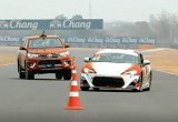 Toyota Hilux TRD thử tài trên đường đua Thái