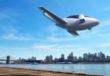 Bay lượn trên bầu trời với phi cơ điện