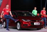 Chevrolet Cruze 2017 ra mắt sôi động cùng Manchester United