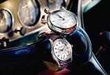 Những mẫu đồng hồ đắt tiền cho người chơi xe cổ