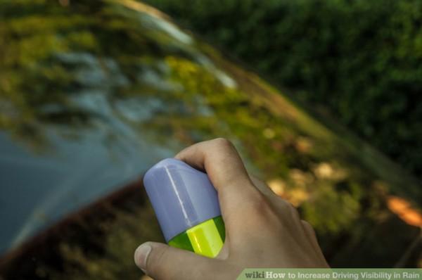 1.Phủ thêm một lớp chống bám nước mưa lên kính lái để giúp cải thiện tầm nhìn trong mưa, đặc biệt là vào ban đêm. Lớp phủ này sẽ giúp cho nước mưa sẽ nhanh chóng trôi khỏi kính lái.