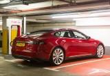 Tesla phát triển dịch vụ tương tự Uber