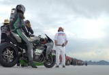 Kawasaki Ninja H2R đạt vận tốc 400km/h tại Bonneville Salt Flats