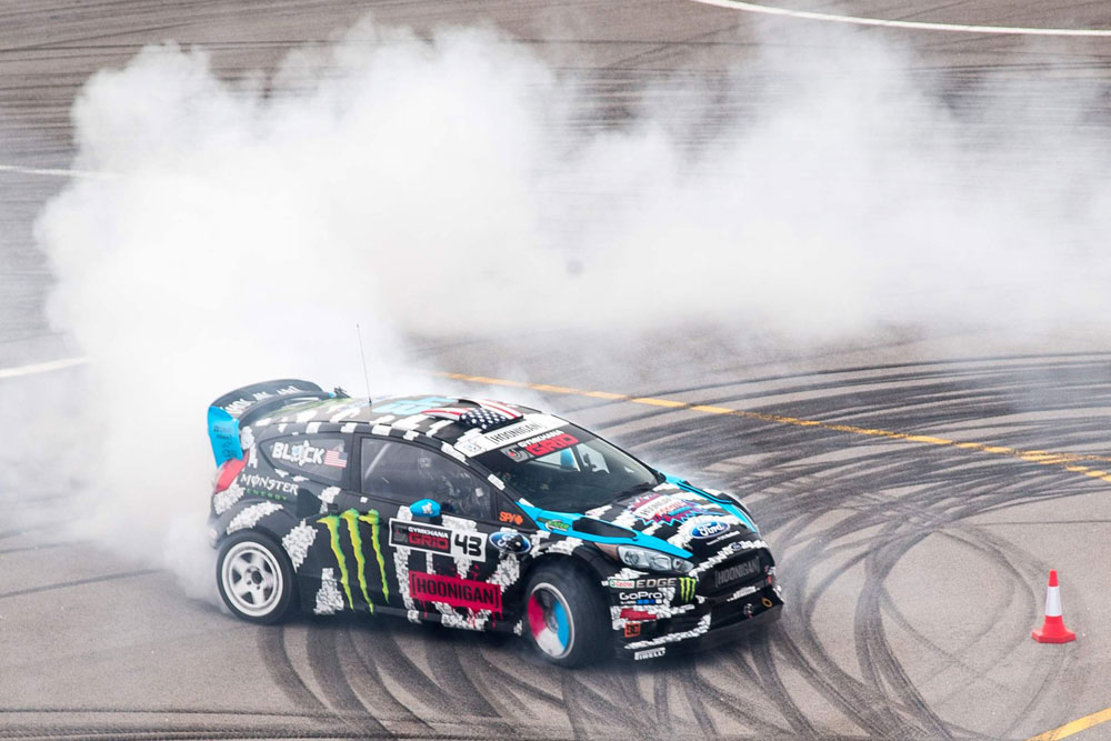 naymar-jr-vs-ken-block-footkhana-2014-03