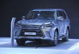 Giá xe Toyota và Lexus chính thức giảm cả trăm triệu đồng