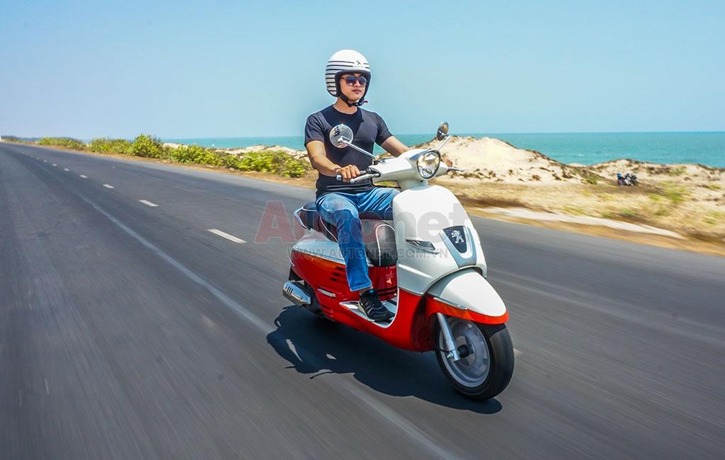 Hiện tại, Peugeot Scooters đã có hai Showroom đạt tiêu chuẩn tại Hà Nội và Tp.HCM, một nhà máy lắp ráp xe cũng đã hoàn thành cho việc đáp ứng nhu cầu khách hàng tốt hơn.