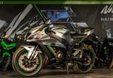 Kawasaki ZX10R 2018 màu mới đầy ấn tượng