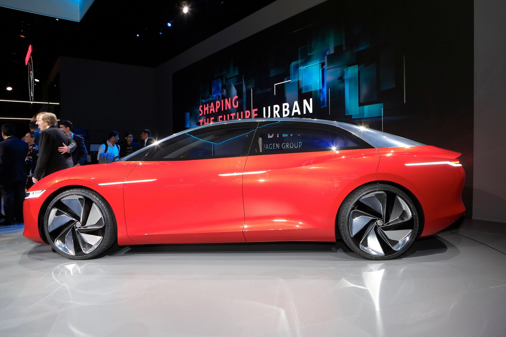 VW-ID-Vizzion-S10
