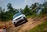 Land Rover đi off-road liệu có đơn giản?