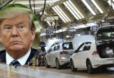 Tổng thống Donald Trump dọa tăng thuế ô tô nhập từ EU