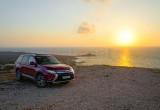Lái thử Mitsubishi Outlander trong tháng 7, nhận quà hấp dẫn
